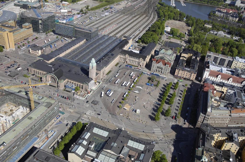 Keski-Suomi esittäytyy Helsingissä 2018 -kuvituskuva / Rautatientori ilmasta käsin kuvattuna